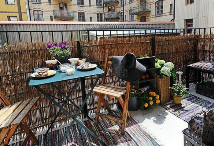 decoracion balcones en estilo rústico, consejos sobre cómo convertir un espacio pequeño en un paraíso