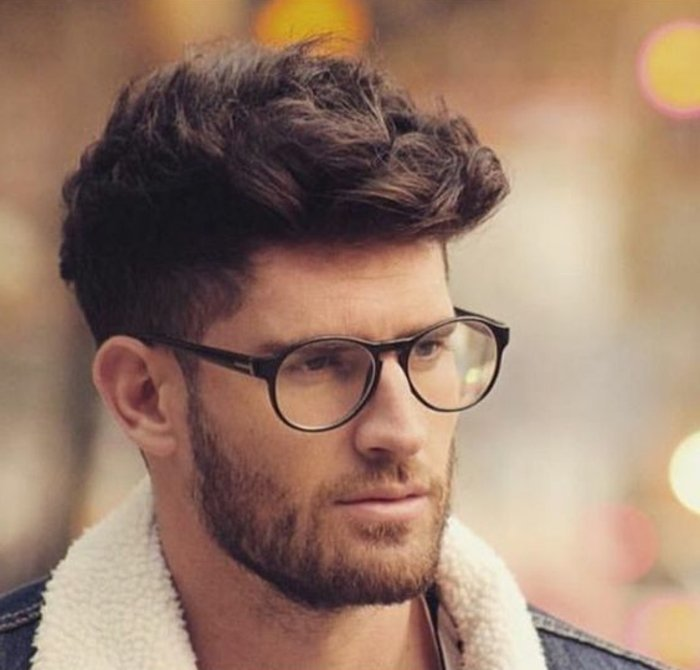 cortes de pelo para hombre con degradado hombre, flequillo largo texturizado, hombre con barba