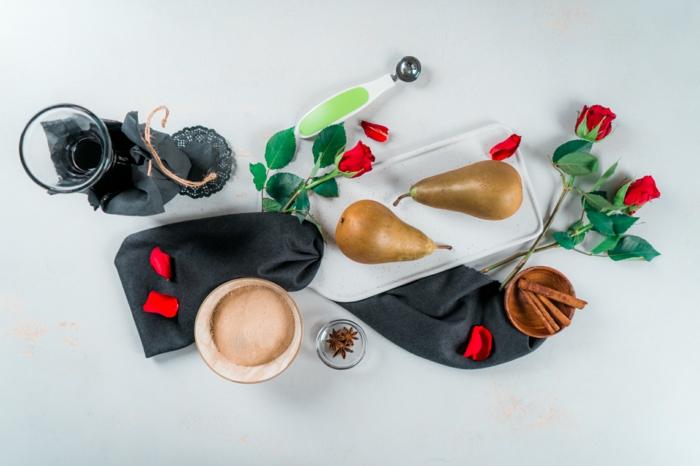 ingredientes para preparar peras escalfadas al vino tinto, recetas caseras faciles y rapidas, postres para san valentin originales