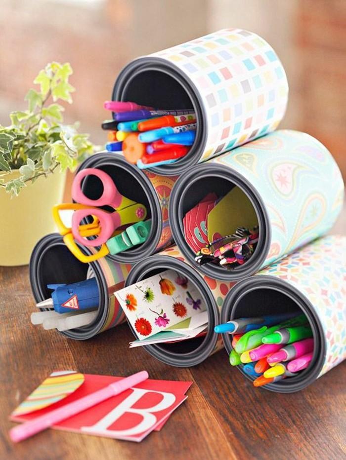 lapiceros bonitos hechos a mano, latas decoradas para almacenar cosas, manualidades con latas originales