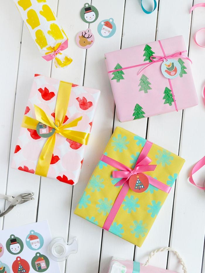 coloridas propuestas sobre como envolver regalos en casa, estampados coloridos de papa
