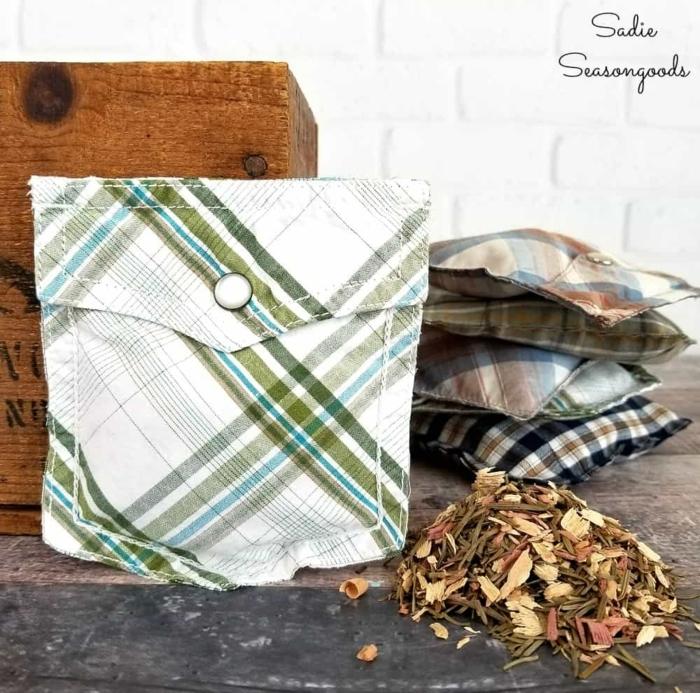 originales ideas de regalos hechos a mano, pequeños cojines aromáticos hechos a mano