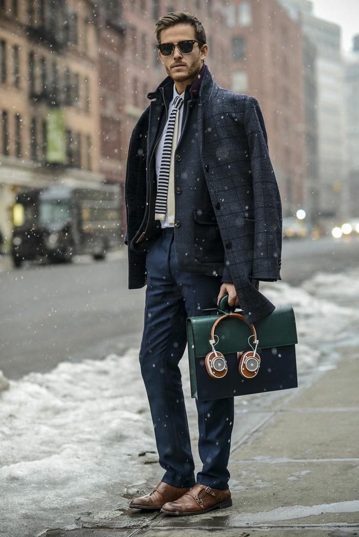 alucinantes propuestas de combinaciones de ropa casual para hombre en 60 imagines, chaqueta color gris oscuro en cuadros