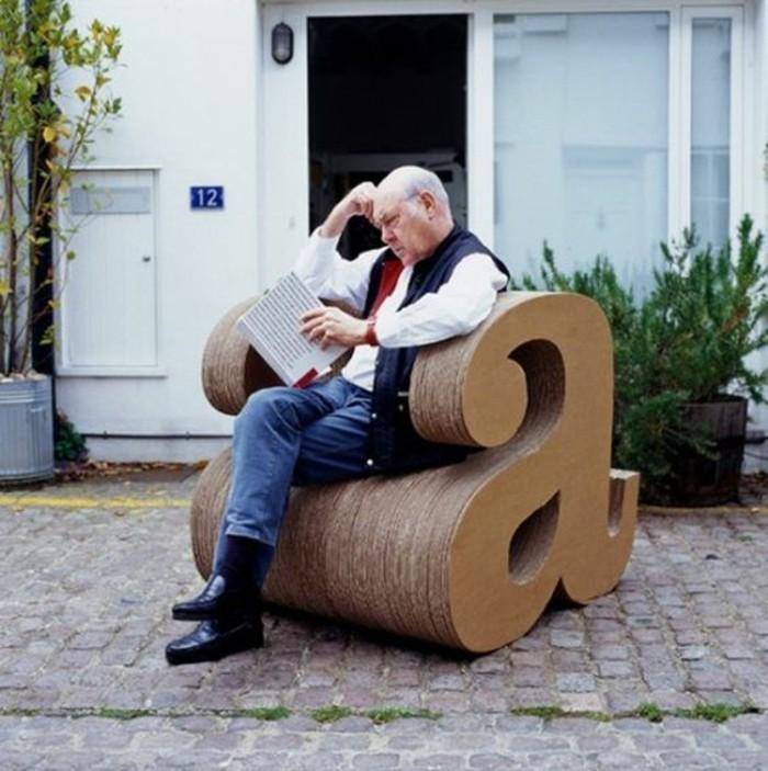 las mejores ideas de muebles de carton en 60 imagines, sillón de cartón en la forma de la letra a