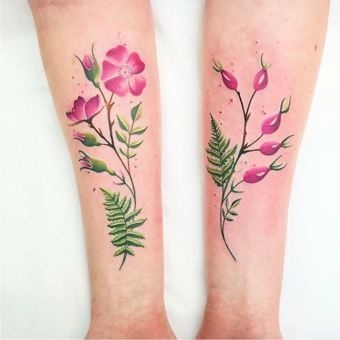 dos tatuajes en los antebrazos, dibujos de rosas bonitos para diseños de tatuajes, rosas color rosado