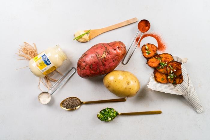 las mejores recetas sobre como hacer papas fritas en casa, ingredientes necesarios, papas y batatas, especias, dip con mayonesa