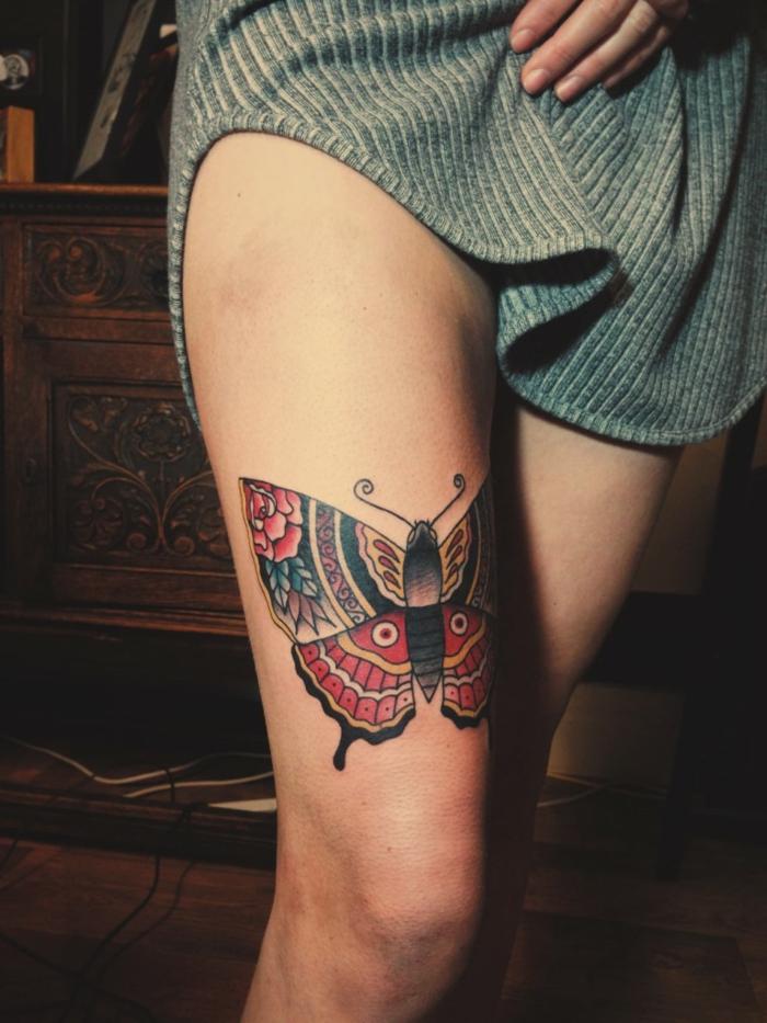fotos de tatuajes en la pierna en colores, grande pierna tatuada en la cadera, tattoos originales mujer