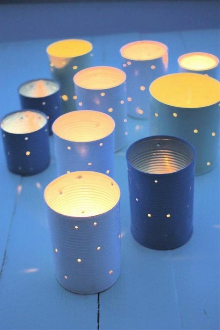 linternas caseras hechas de latas reutilizadas, latas pintadas en azul, bonitas ideas de bricolaje