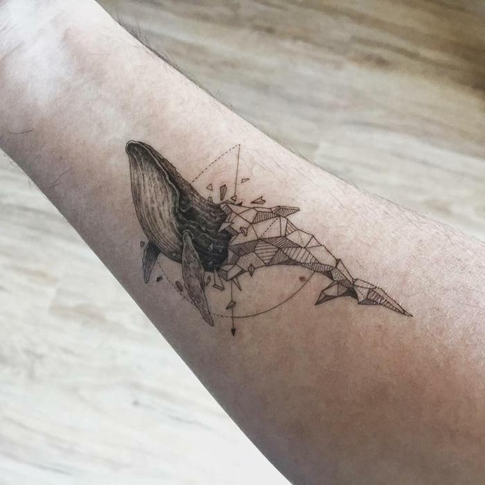 tattoo geométrico en el antebrazo, diseños de tattoos falsos para hombres y mujeres