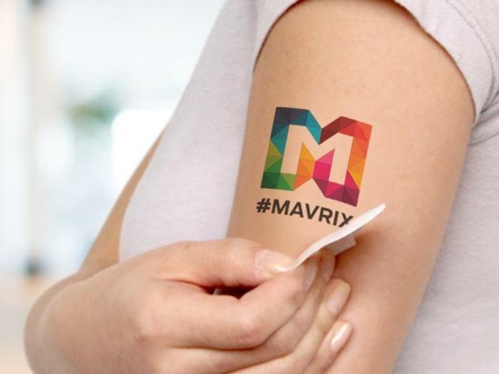 tatuajes para niños adhesivos, originales propuestas de tatuajes falsos, tattoo colorido en el antebrazo
