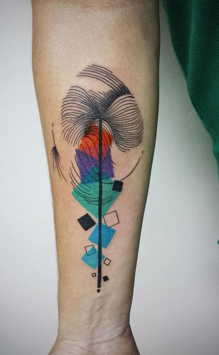 precioso detalle colorido con figuras geométricas, fotos de tatuajes originales para hombres y mujeres
