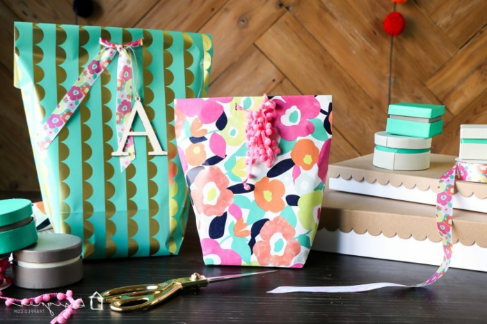 cómo hacer un bolso de regalo de papel decorativo en colores, manualidades con papel paso a paso