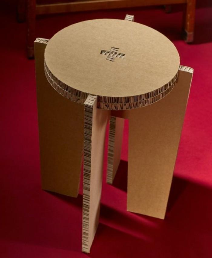 bonita silla de cartón, muebles con carton originales en imagines, silla de asiento oval