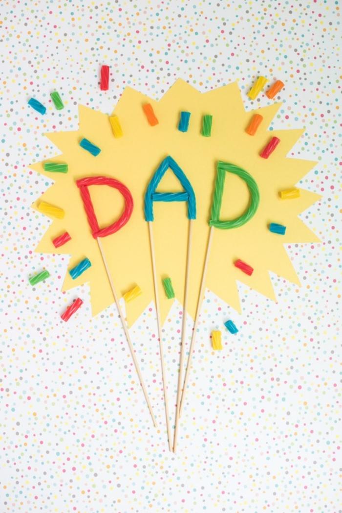 adorables propuestas sobre qué regalar para el día del padre, decoración de tarta hecha a mano