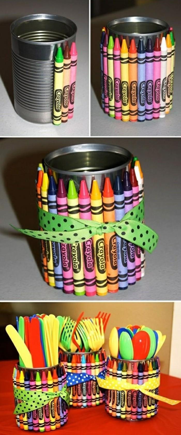 ideas de manualidades con latas de refresco, latas decoradas con lapices de colores, cajas de almacenamiento originales