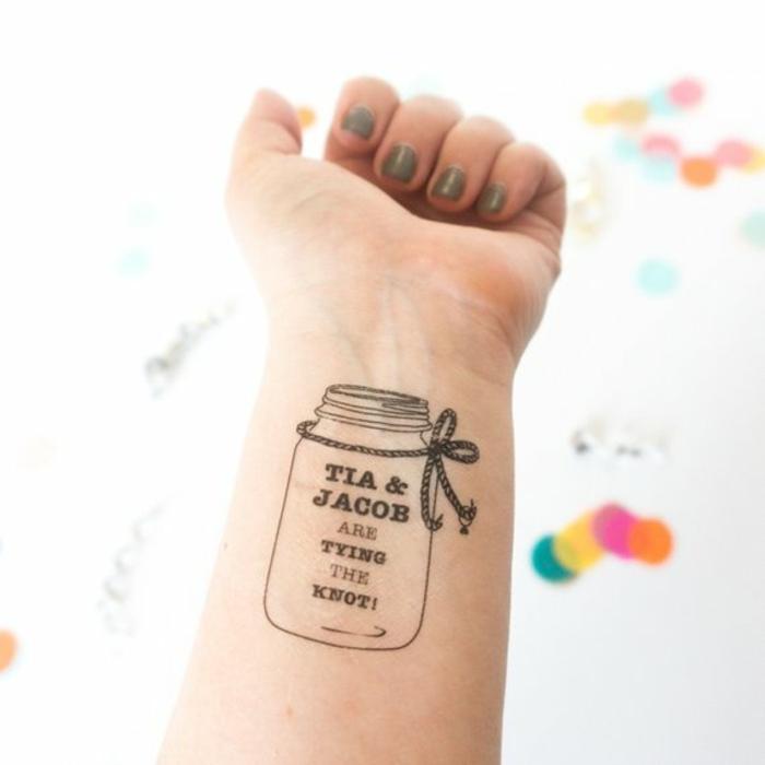diseños de tatuajes antebrazo mujer, tattoo falsos, bonitas ideas de tatuajes para hacer en casa