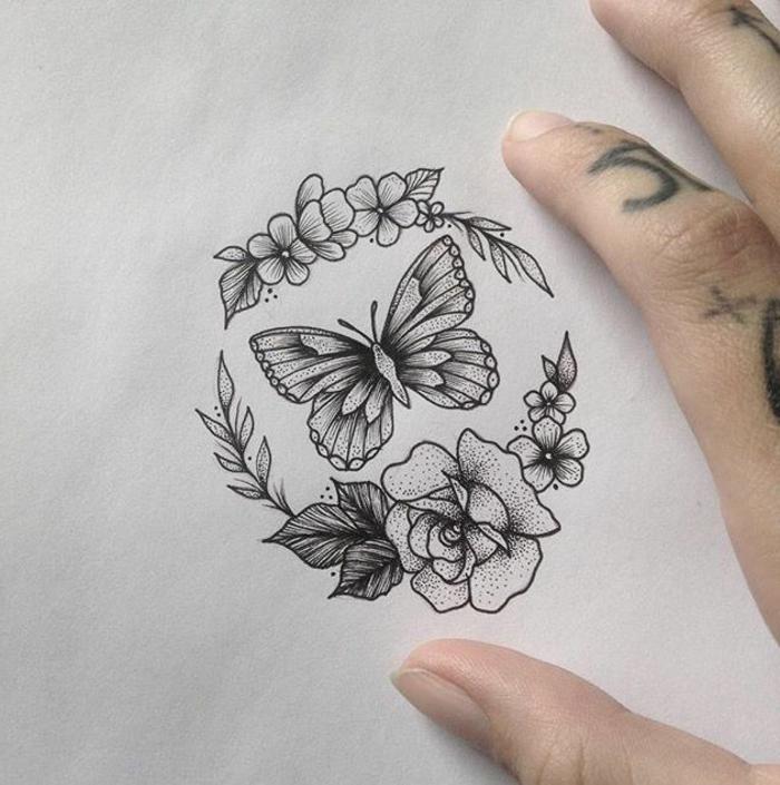 preciosos diseños de tatuajes con mariposas y flores, ideas de tattoos símbolo de la transformación