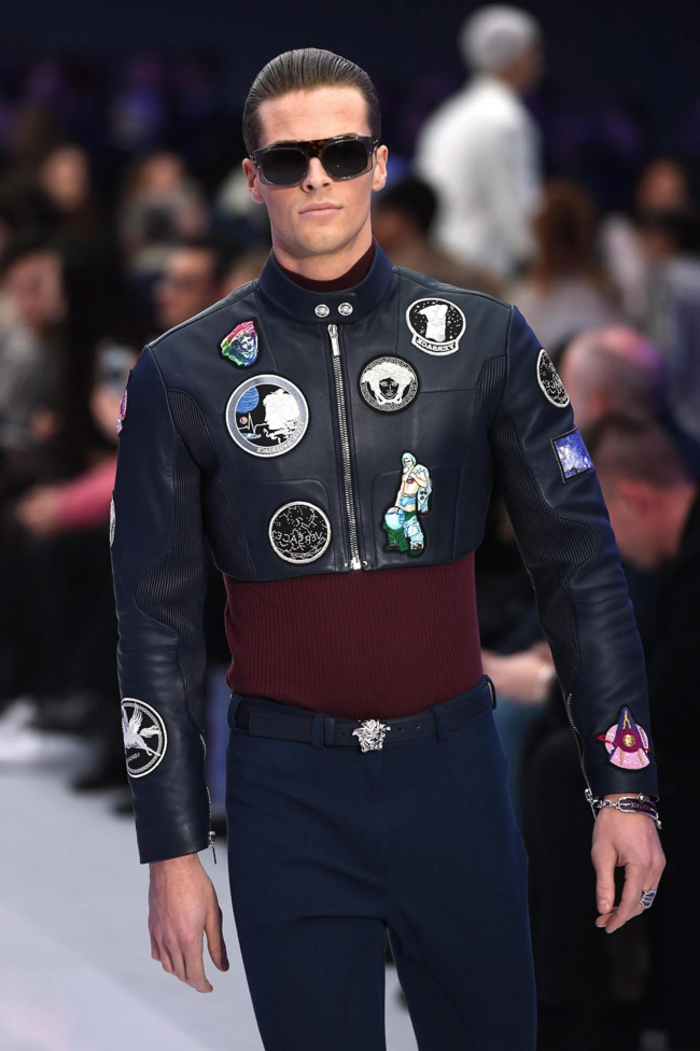 ropa moderna hombre en 60 imagines, pantalón estrecho combinado con una chaqueta de cuero super extravagante