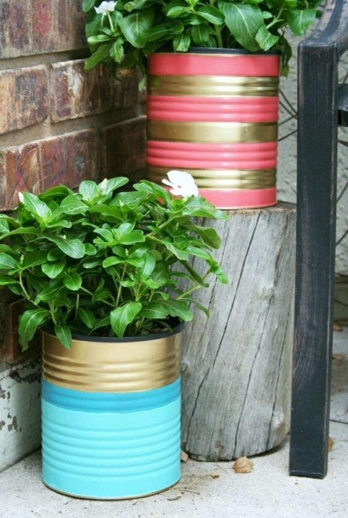 ideas sobre cómo pintar una lata de manera original, latas de conserva decoradas en dorado, azul y rosado