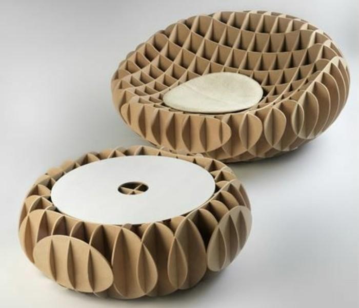 sillones de diseño único hechos de cartón, mesa de carton super original, cómo decorar tu casa con muebles reciclados