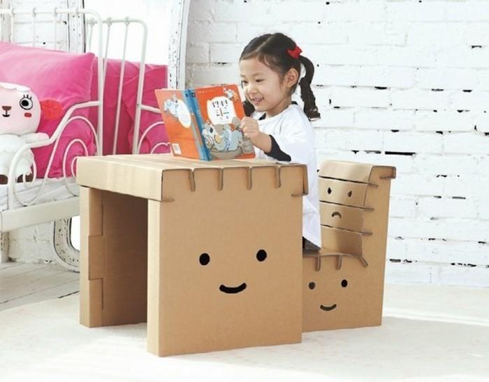 muebles infantiles DIY para el dormitorio de tu niña, mesita DIY original y pequeña silla