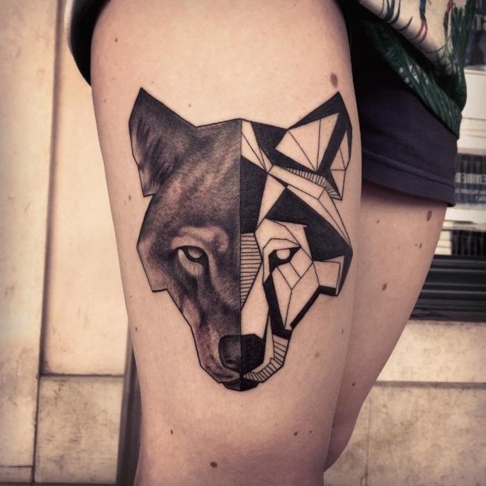 tatuaje lobo con dos caras en la pierna, originales ideas de tatuajes lineas para hombres y mujeres