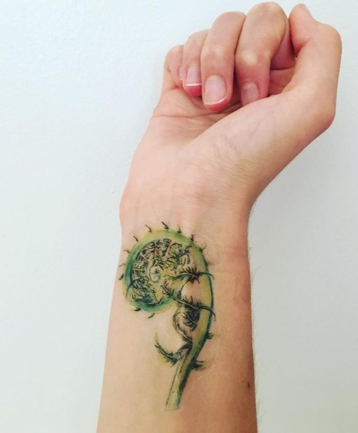 originales propuestas de tatuajes para niños temporales, tatuaje antebrazo mujer en colores