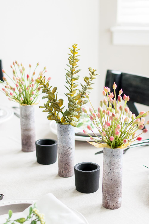 originales ideas decoracion mesa DIY, floreros DIY hechos de hormigón, jarrones centro de mesa