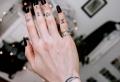 Tattoo en el dedo: más de 70 diseños con sus significados