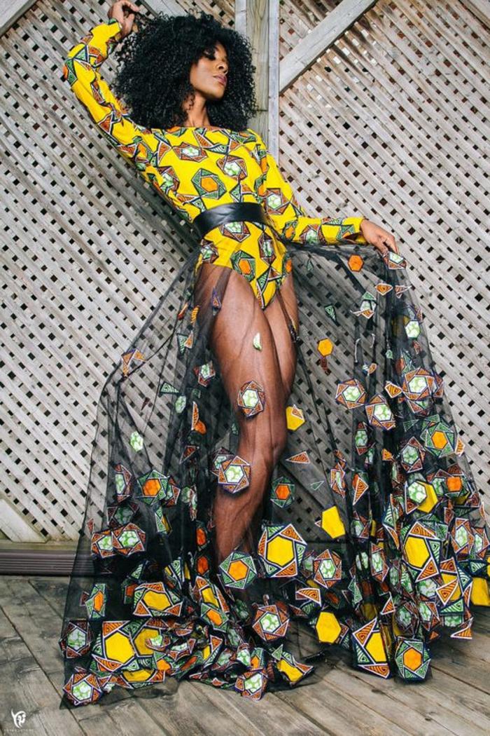 diseños originales ropa mujer a la moda africana, precioso vestido con falda transparente motivos geometricos