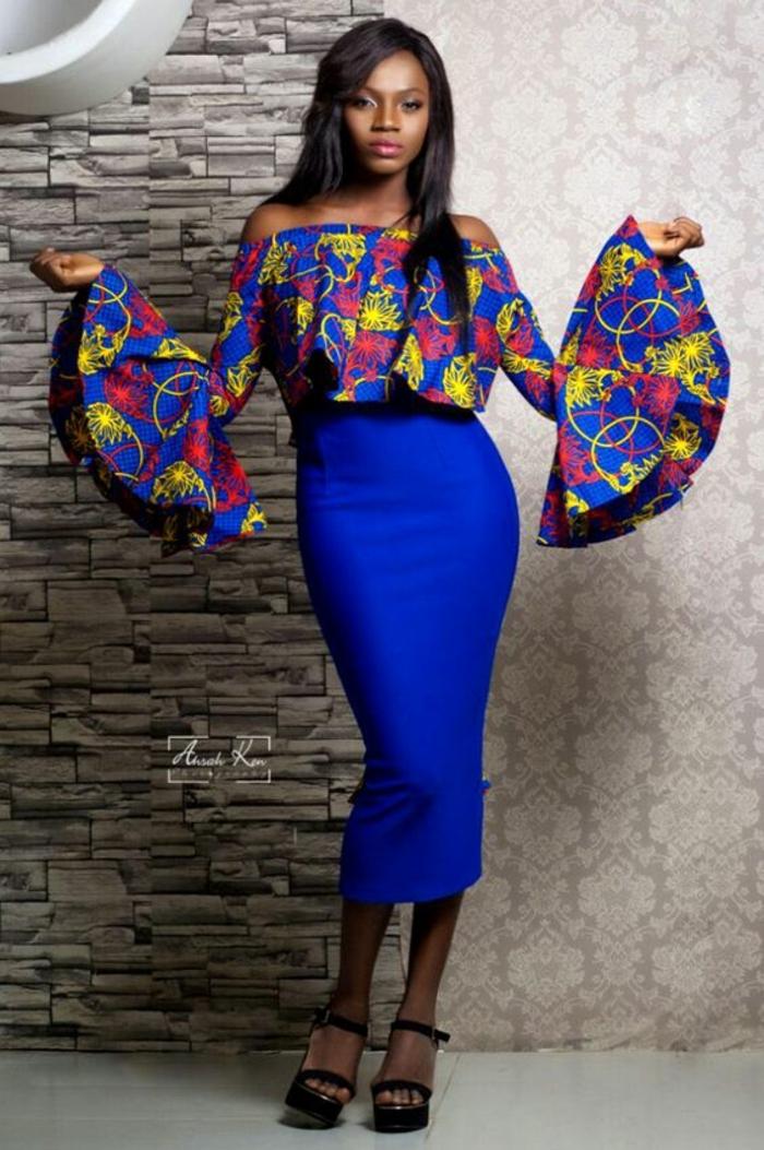 atuendo elegante en azul, rosado y amarillo, falda larga en color azul intenso, estampados africanos coloridos