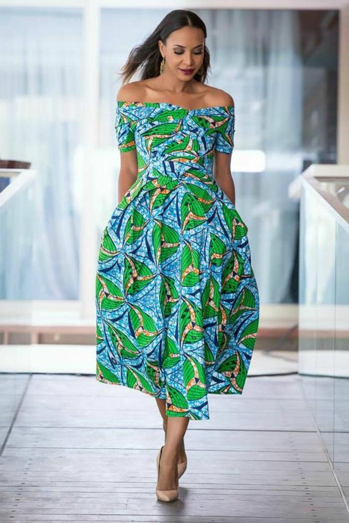 precioso vestido en azul y verde con estampados africanos, vestido largo con mangas cortas