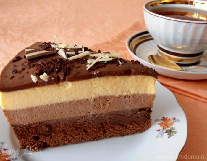 ingredientes tarta tres chocolates, tres cremas de diferentes tipos de chocolates, base de coco