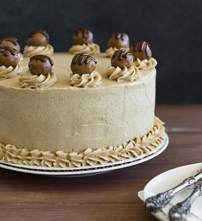 la mejor tarta de chocolate del mundo con betún de dulce de leche, tartas a los tres chocolates