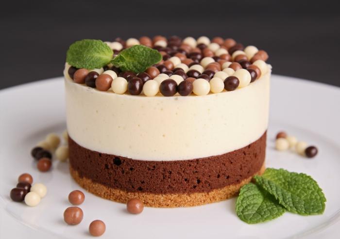 cuál es la la mejor tarta de chocolate del mundo, la tarta de tres chocolates, tarta con una presentación impecable