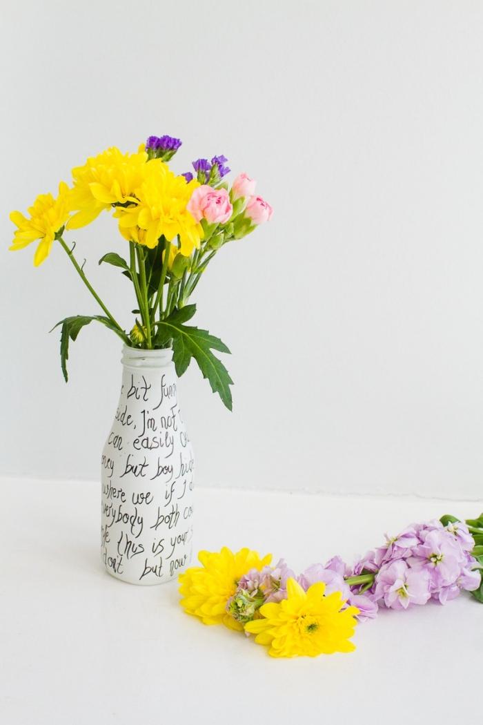 magníficas ideas de decoración con flores, decoracion centro de mesa con flores en amarillo y rosado