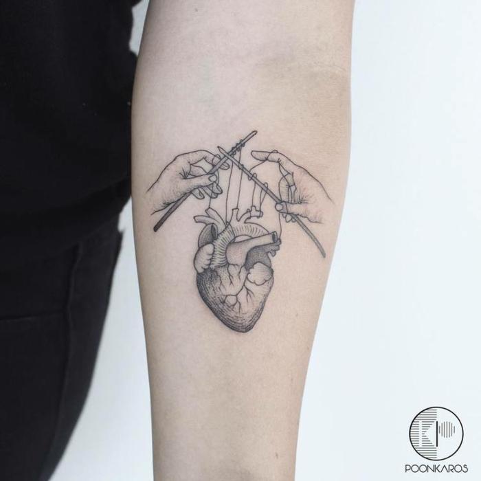 alucinantes diseños de corazon tattoo anatómico, más de 90 fotos de tatuajes con corazones
