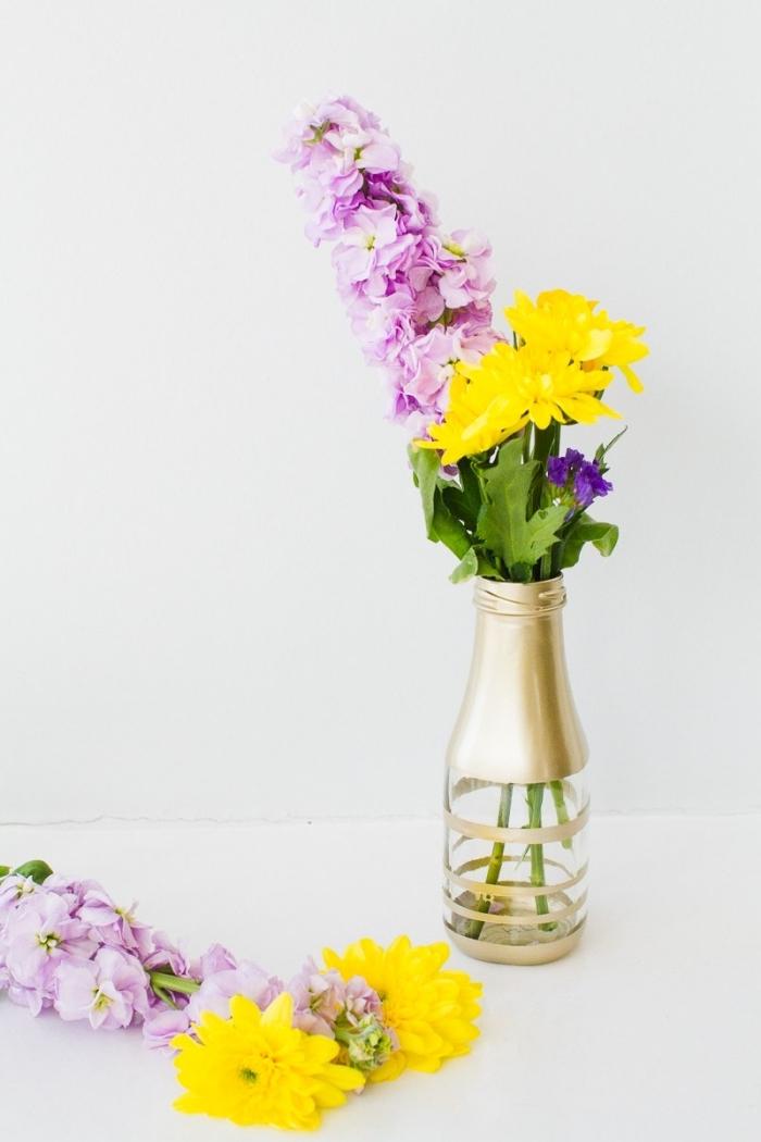 ideas sobre como decorar una mesa con flores, preciosas floreros DIY, centros de mesa coloridos