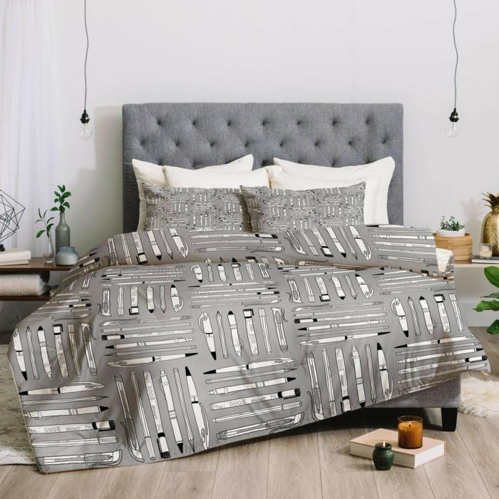 originales ideas de decoración de habitaciones modernas, cama doble con cabecero con capitoné, paredes blancas y suelo de parquet