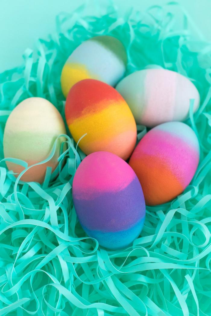 como pintar huevos de pascua de madera paso a paso, coloridos huevos para decorar tu mesa en Pascua