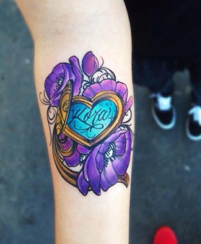 los diseños más bonitos de tatuajes con corazones, tattoos mujer con corazón y motivos florales