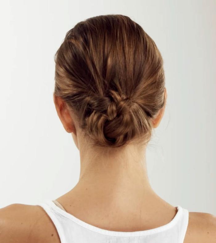 recogidos fáciles con trenzado, peinados faciles pelo largo y media melena en 80 imagines