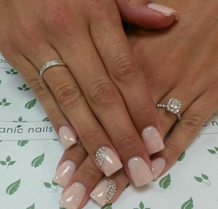 decoracion de uñas para novias, decoracion de uñas ideas en más de 100 fotos, uñas pintadas en rosado claro con piedras