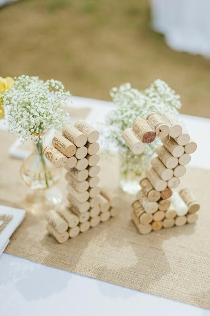 preciosas ideas sobre que poner encima de una mesa de comedor, decoración original con tapas de corcho