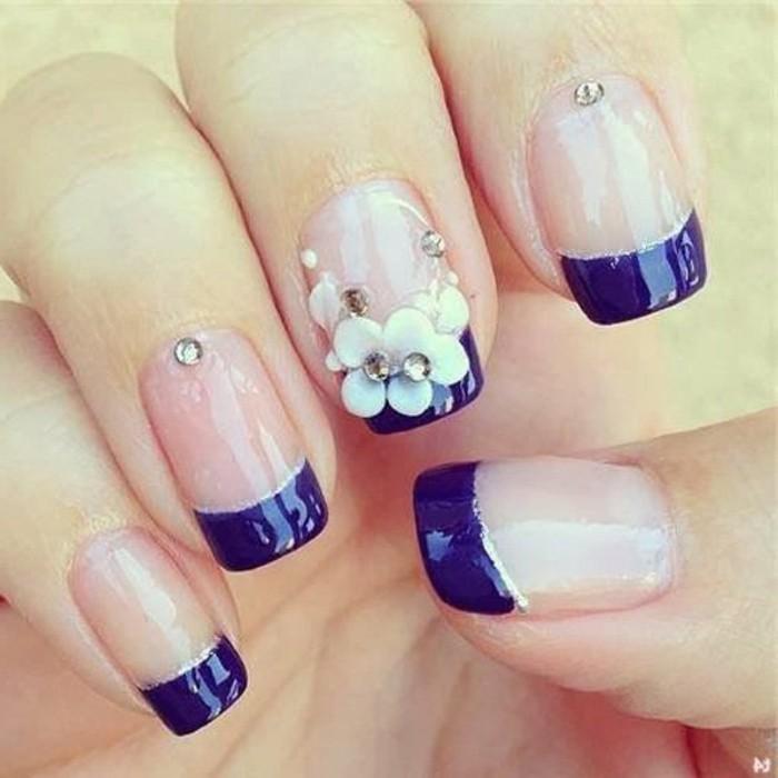 uñas largas con puntas cuadradas y decoración motivos florales, uñas francesas, diseños de uñas 2017