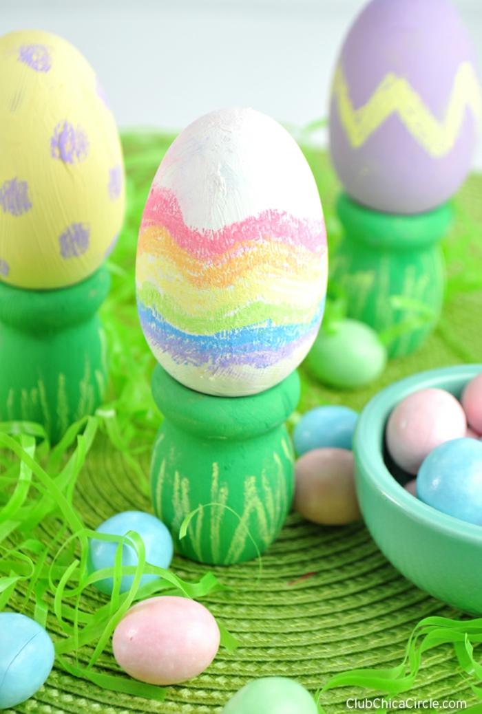 ideas sobre como decorar huevos de pascua, manualidades para pascua y deferentes técnicas de decoracion