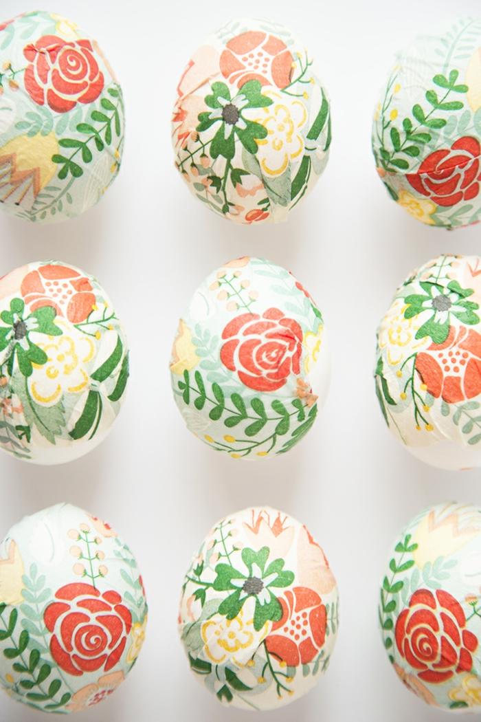decoración casera DIY con huevos para manualidades, pegamento blanco y servilletas