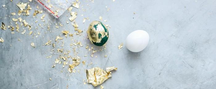 cómo decorar huevos de manera original, huevo verde con dorado, originales ideas de manualdiades para Pascua