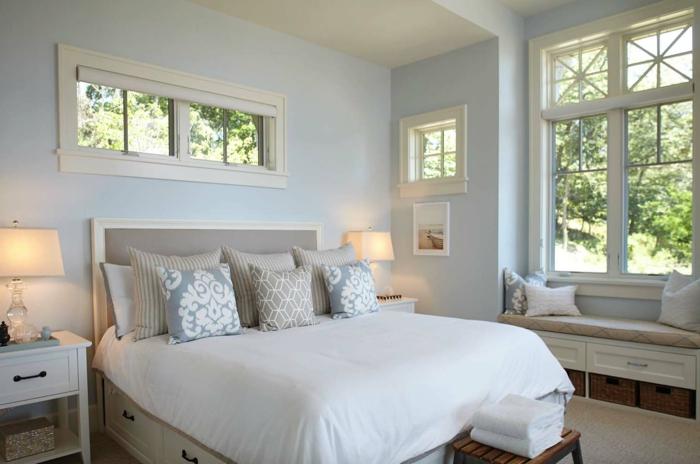 camas matrimonio funcionales y bonitas, cama con cabecero, habitación decorada en blanco y azul claro