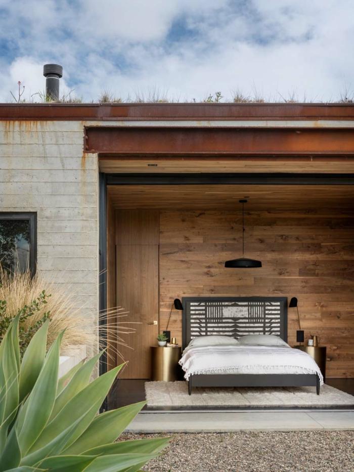 alucinante diseño habitación doble, cama con cabecero original, paredes de madera, ideas de camas matrimonio